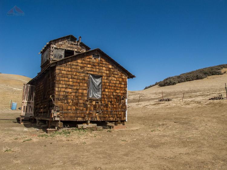 Hunter's cabin in Montgomery Potrero