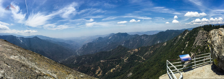 Panoramic view from Moro Rock down the Kaweah River drainage