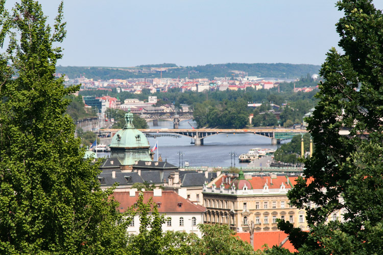 The view of several bridges from the Old Royal palace.jpg