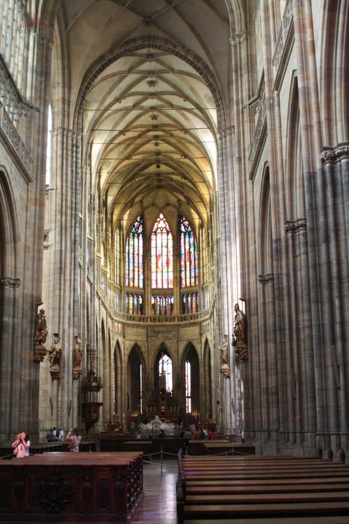 Inside St. Vitus's Cathedral.jpg