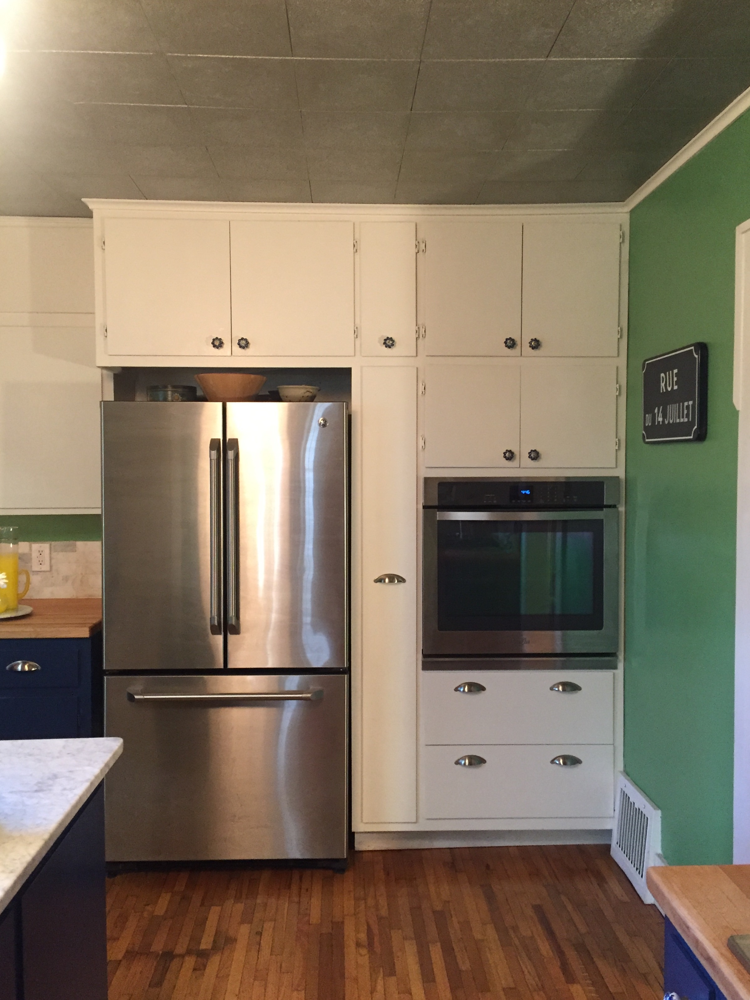 stainless-steel-appliances-pull-out-pantry