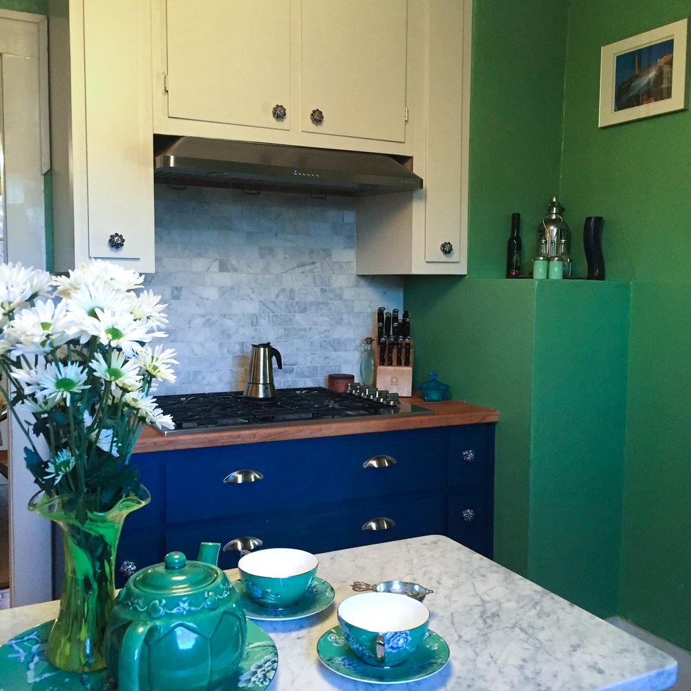kitchen-stove-view.jpg