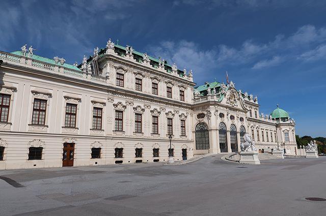 [SEEYA STAGE: PEOPLE] 6th_Belvedere/Figaro House @Wien, Austria  _ 리서치 트립 6일차. 오스트리아 빈에 위치한 벨베데레 궁전에 방문하여 바로크 미술, 클림트, 에곤 쉴레 등의 작품을 감상하고, 이후 모차르트가 약 3년간 머물며 '피가로의 결혼'을 완성한 것으로 알려진 '피가로 하우스'에 방문하여 공간에 남겨진 삶의 흔적을 듬뿍 느끼고 왔습니다.  _ #우란문화재단 #시야스테이지피플 #벨베데레 #클림트 #에곤쉴레 #피가로하우스 #모차르트 #비엔나 #wien #vienna #박승순 #seungsoonpark