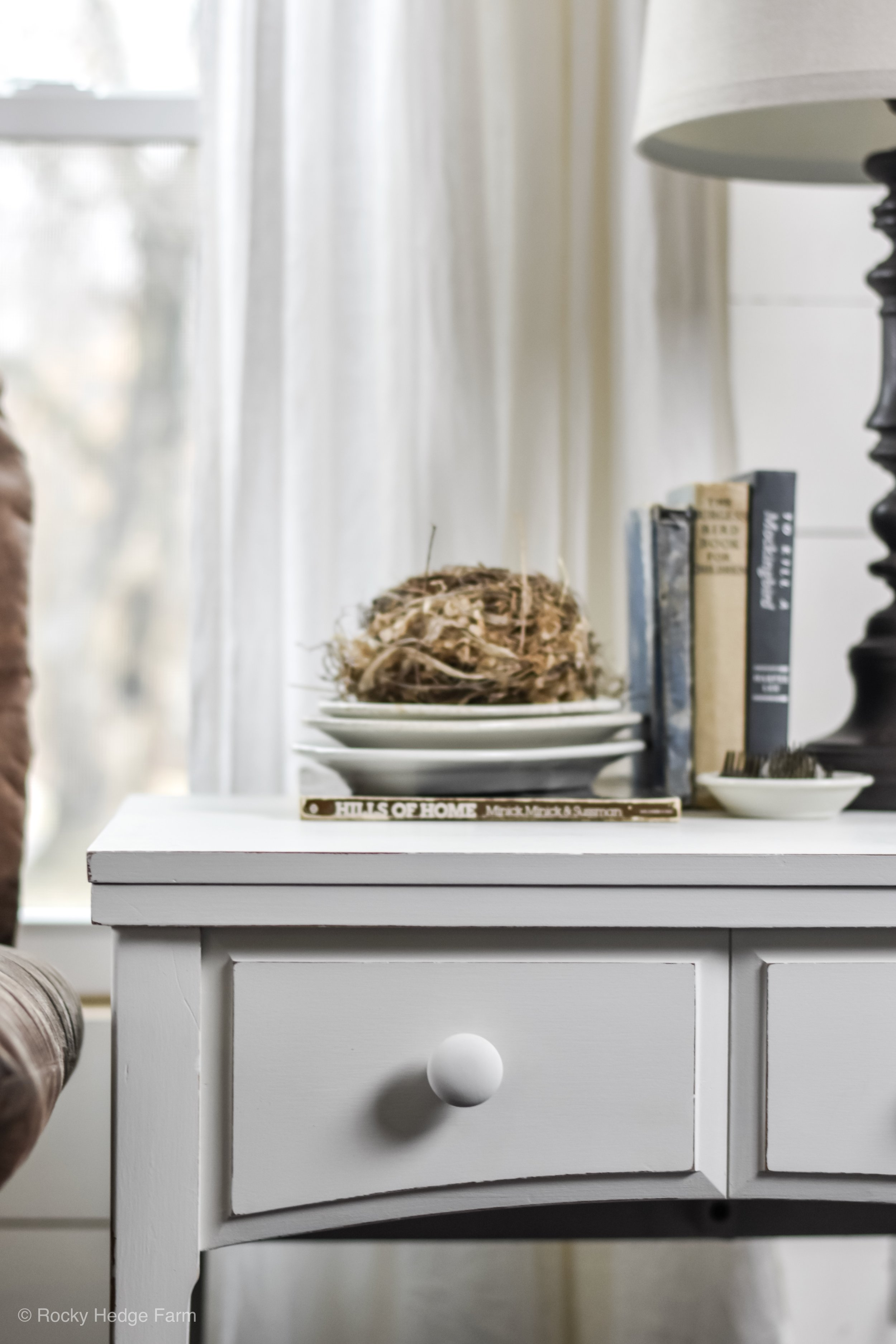 DIY Chalk Paint Recipe with Plaster of Paris -Spring Farmhouse Table End Table - Night Stand Decor | Rocky Hedge Farm