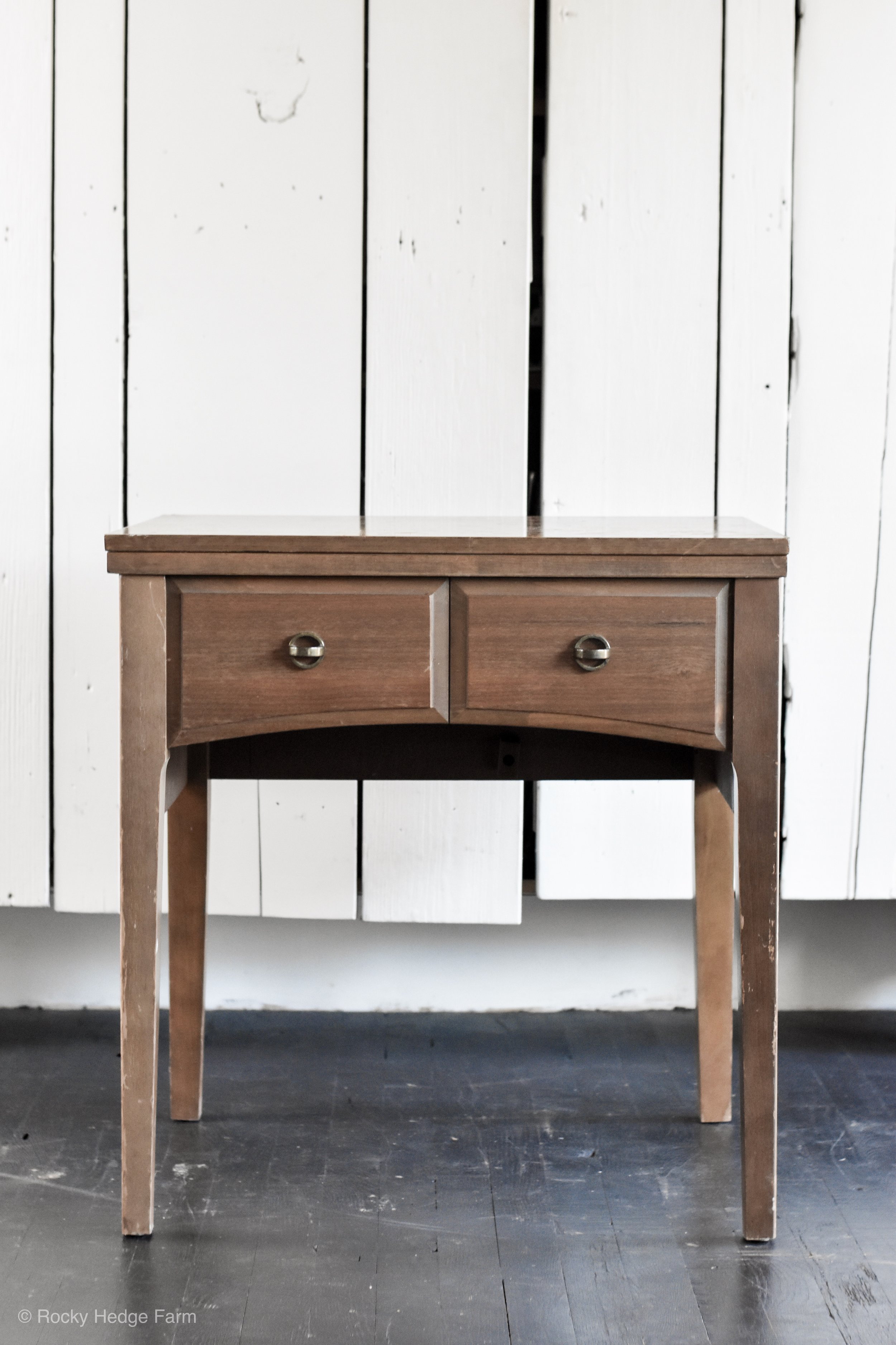 DIY Chalk Paint Sewing Table Makeover