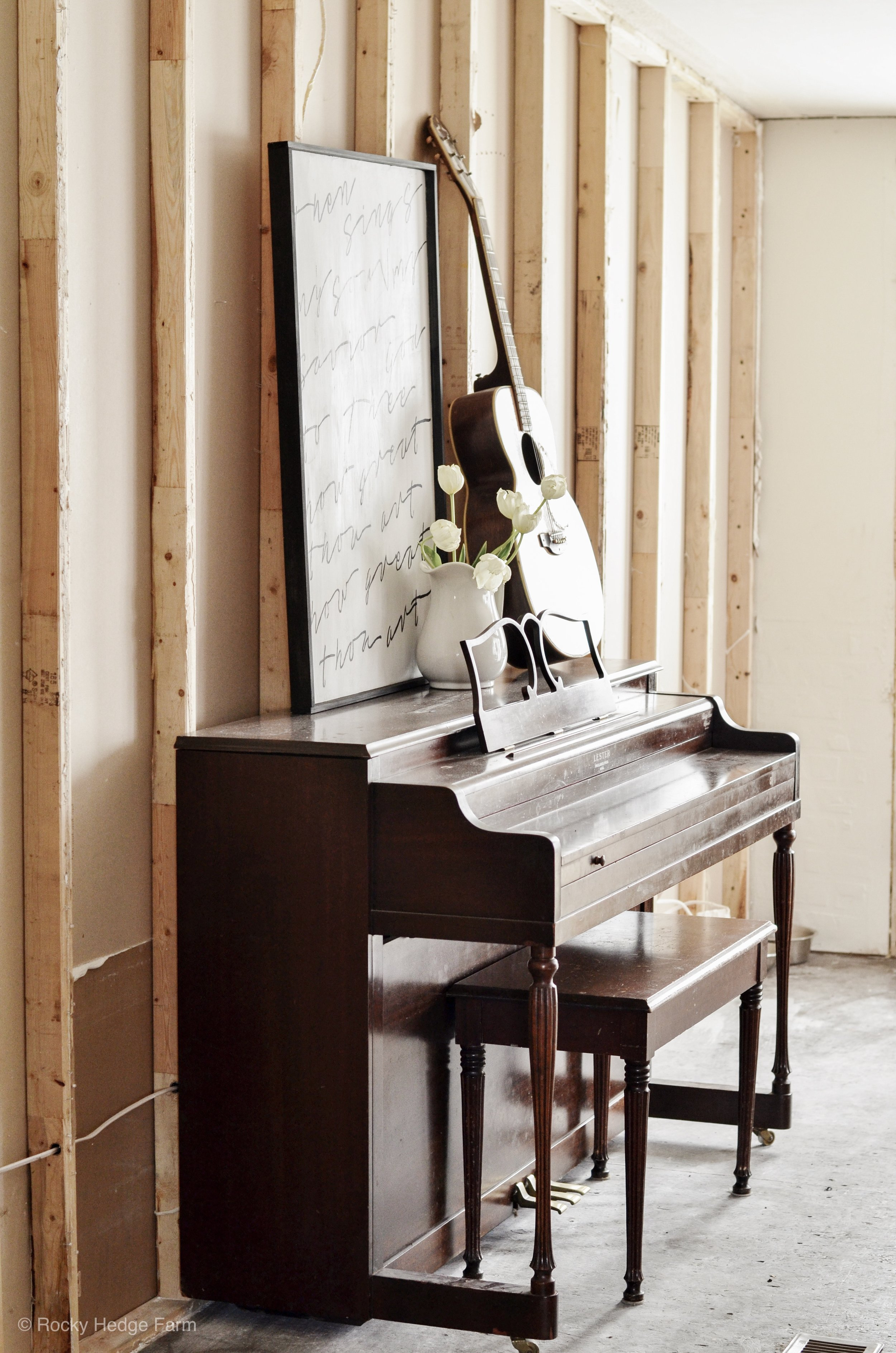 DIY Chalk Painted Piano Before and After Makeover | Rocky Hedge Farm