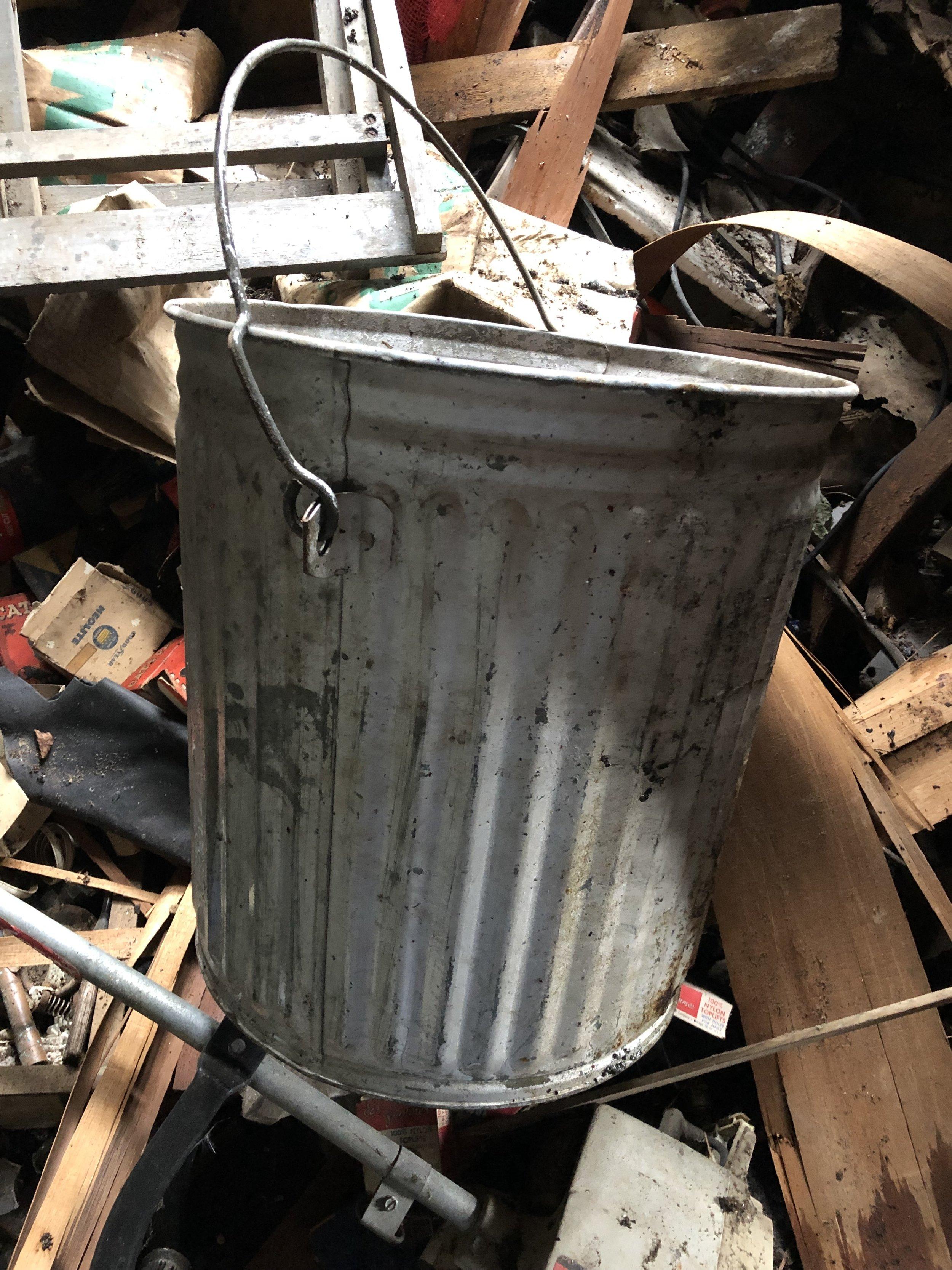 老式镀锌桶