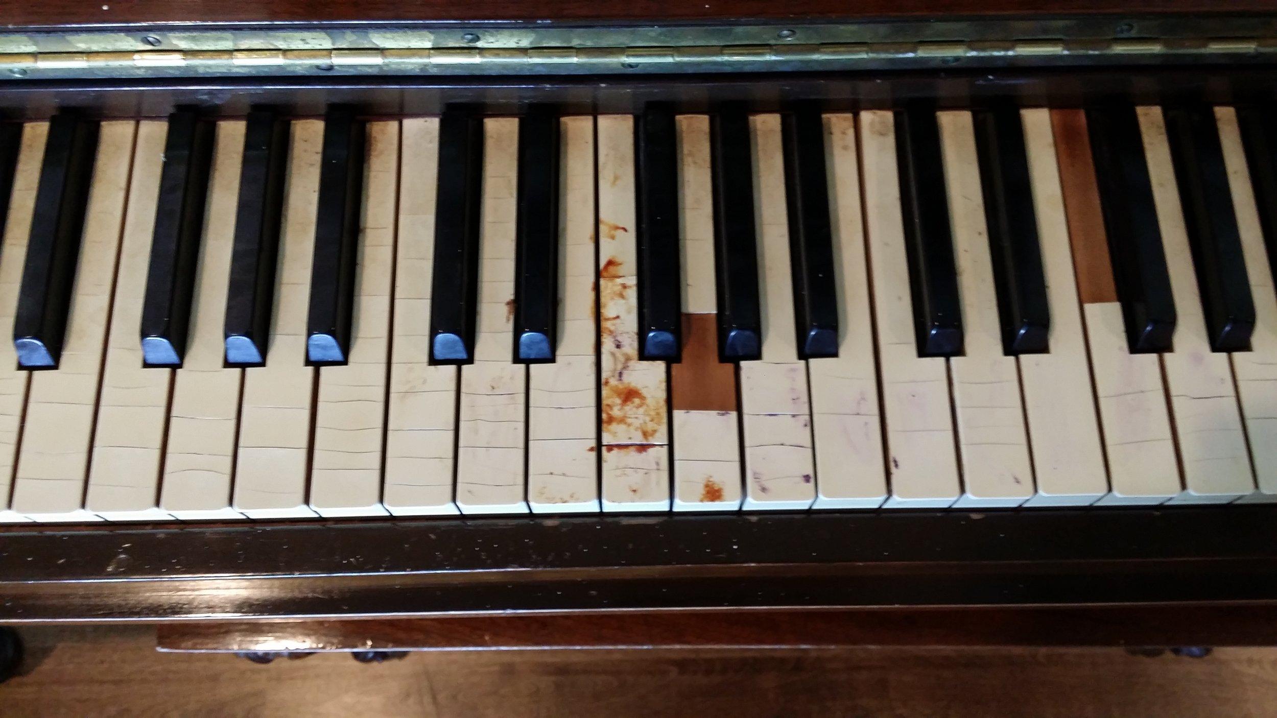 Close-up Old Keytops
