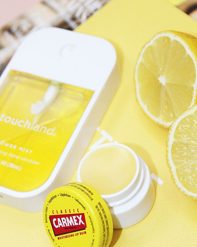 Easy peasy lemon squeezy! The perfect yellow combo from @carmexdanmark and @touchland.scandinavia 💛 #impressionpr