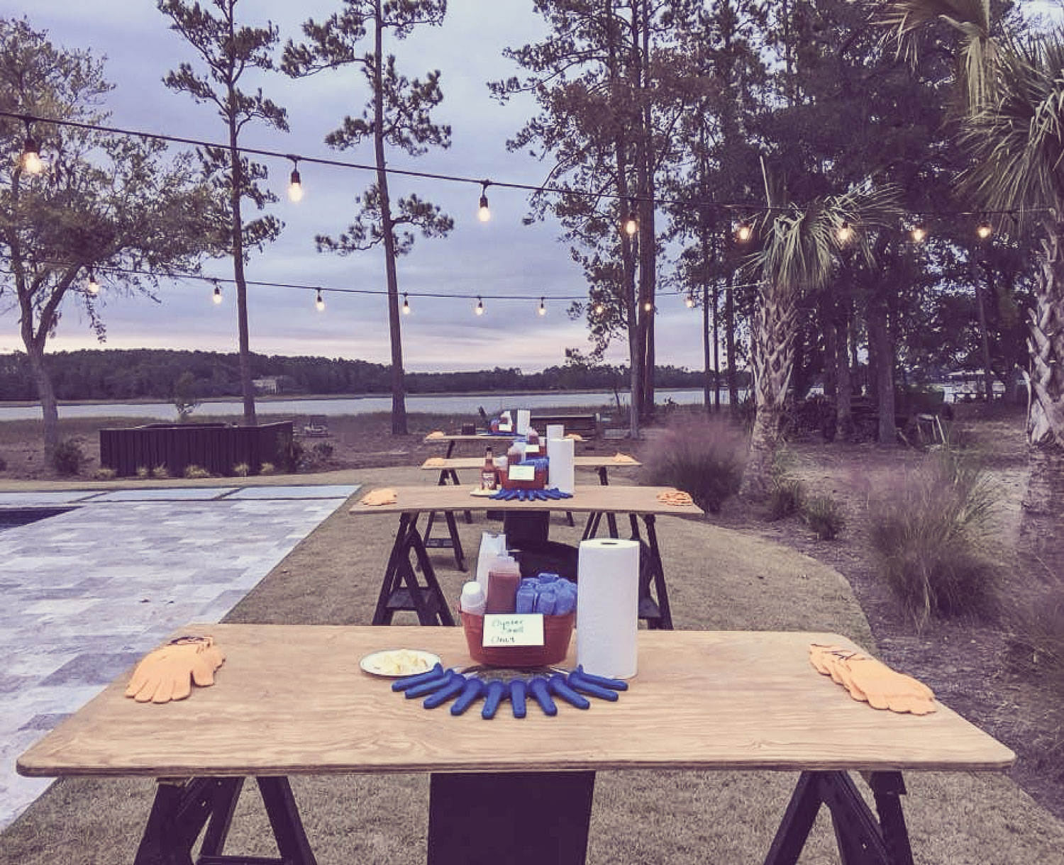 oyster-tables-fade.jpg