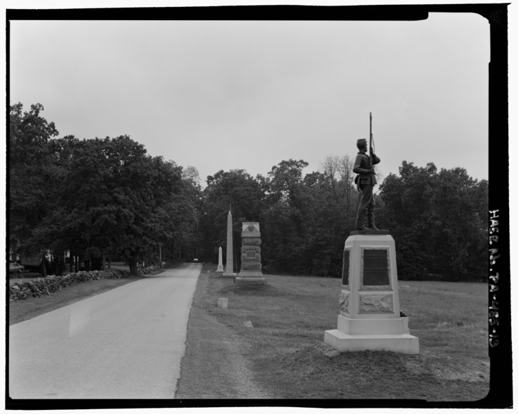 DOUBLEDAY_AVENUE,_ROAD_VIEW_FROM_OPEN_FIELD_INTO_WOODS._VIEW_SSW._-_Gettysburg_National_Military_Park_Tour_Roads,_Gettysburg,_Adams_County,_PA_HAER_PA,1-GET.V,21-13.jpg