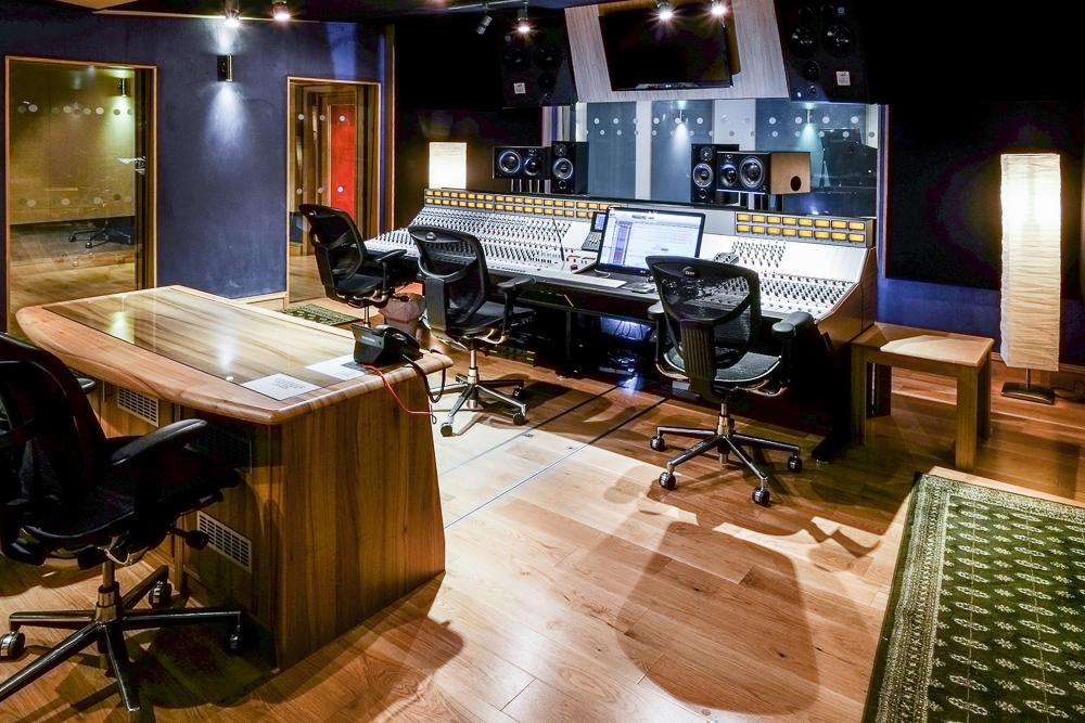 Gorbals Sound-studio 1 Control Room-91.jpg