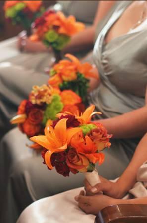 bridesmaid's bouquets.jpg
