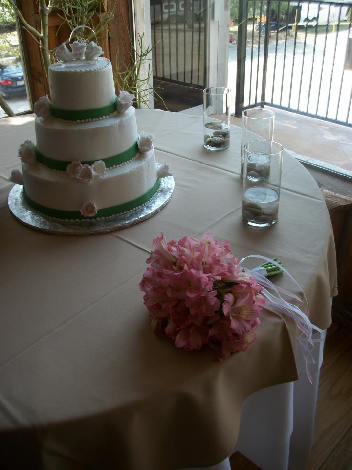 WeddingCakePinkGreen.jpg