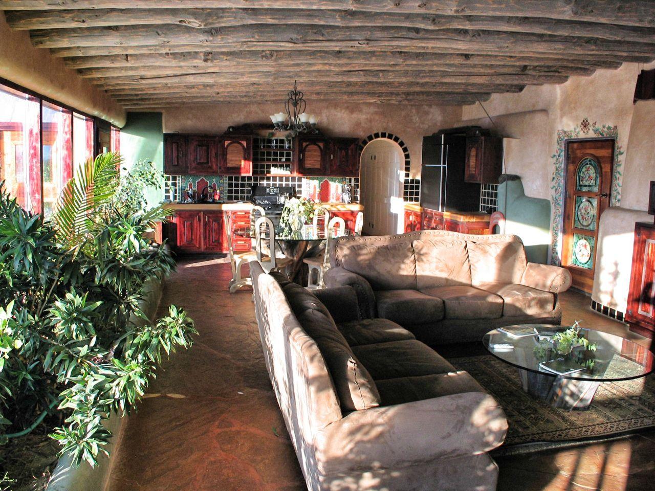 Hybrid living room.jpg