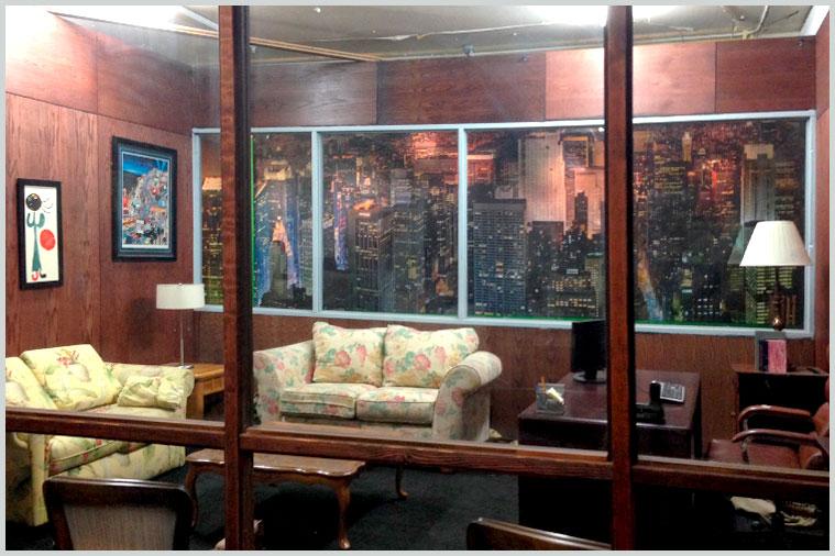 second_floor_office_bar_02.jpg