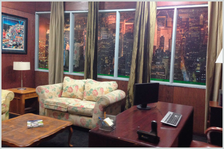 second_floor_office_bar_06.jpg