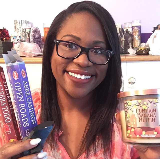FALL FAVES & MUST HAVES ✨🕯🎃🦇👻🕷🍂💀⚰️👽🖤🤖🔮✨ Spooky decks, yummy candles, and witchy brews galore in my latest video now up on the Maven Unmasked YouTube channel! Link in bio 🧛🏾‍♀️🧟‍♀️ What are your favorite tools for this time of year? Leave a comment👇🏾 and let ya girl know! #mavenunmasked #fallfaves #fallmusthaves #halloweentarotdecks #itsthemostwonderfultimeoftheyear #pumpkinerrthang #witchesbrew #witchesofinstagram #tarotreadersofcolor #tarotreadersofyoutube #witchesofyoutube #newvideoalert