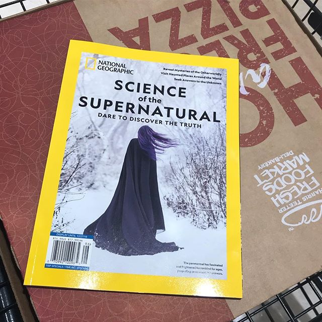 How did you spend your Friday night? 🍕📚🍕#supernatgeo #nationalgeographic #octoberthings