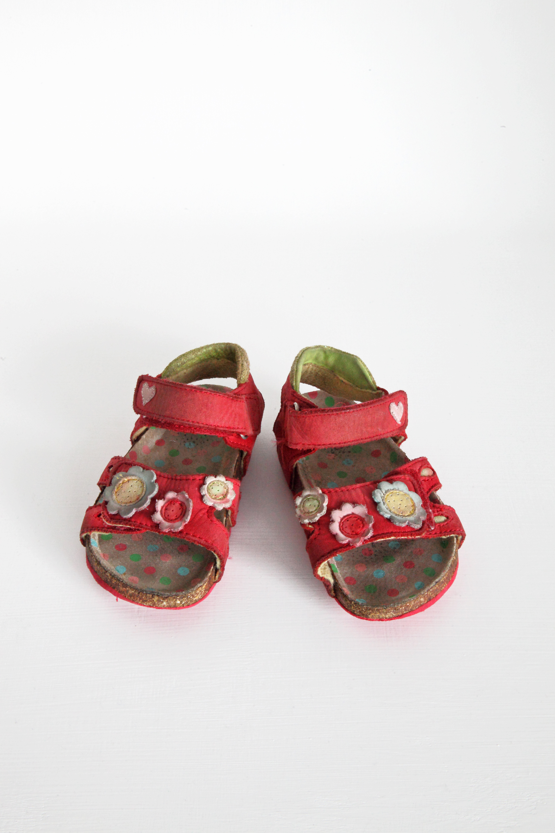 Red Flower Sandals - Peacocks - Size 7