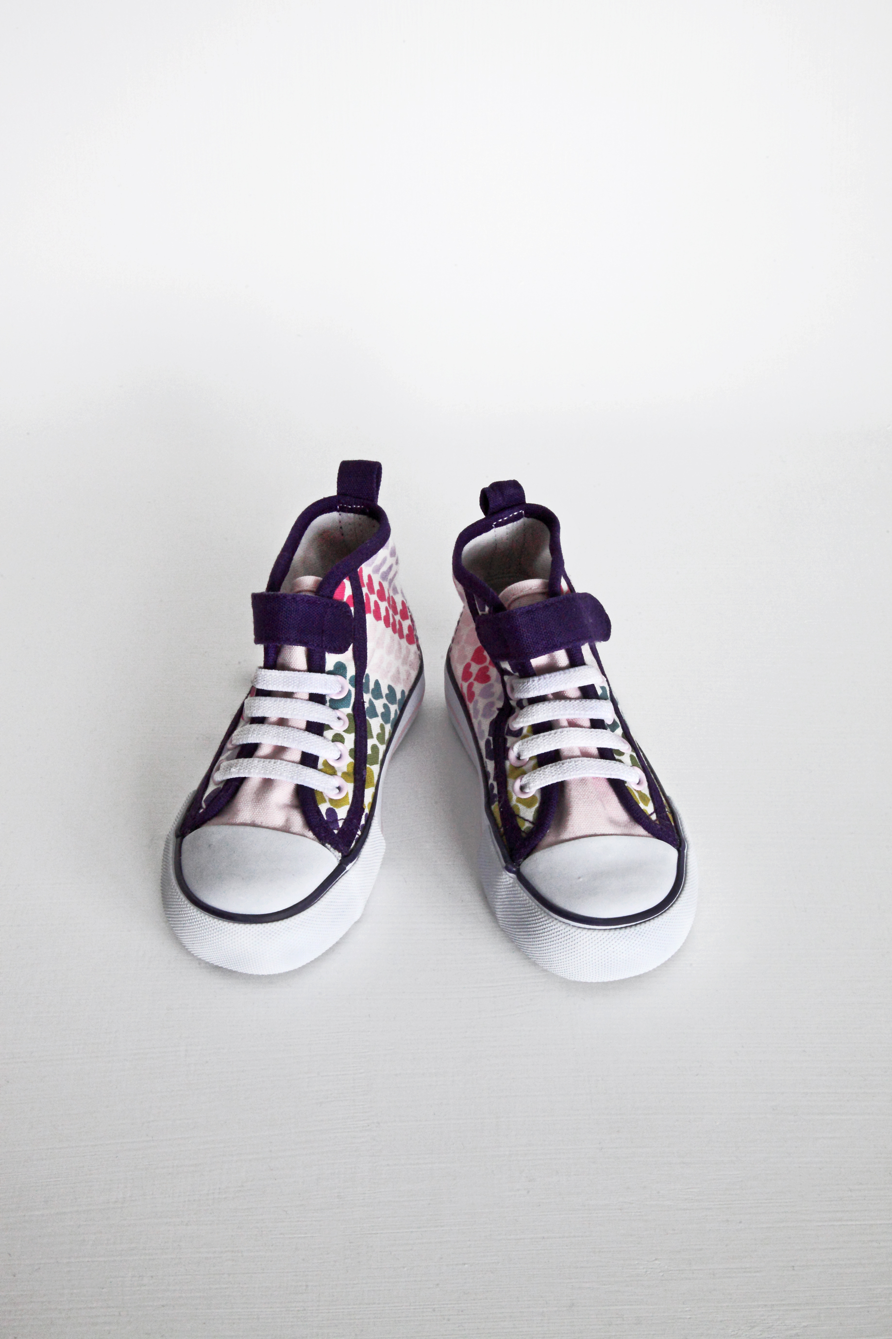 Heart Trainers - H&M - Size 7