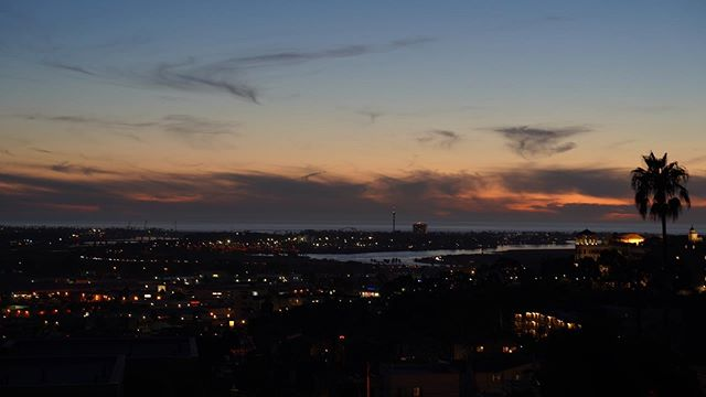 Incredible brush strokes in the sky over @themorenadistrict tonight! #cloudsoffire #sandiegosunsets #sunset #sonya7iii #tamron2875 #landscapephotography #cityscape #nightlife #happysaturday #thinklocal #becreative #applifiedmarketinggroup #yourbusinessapplified