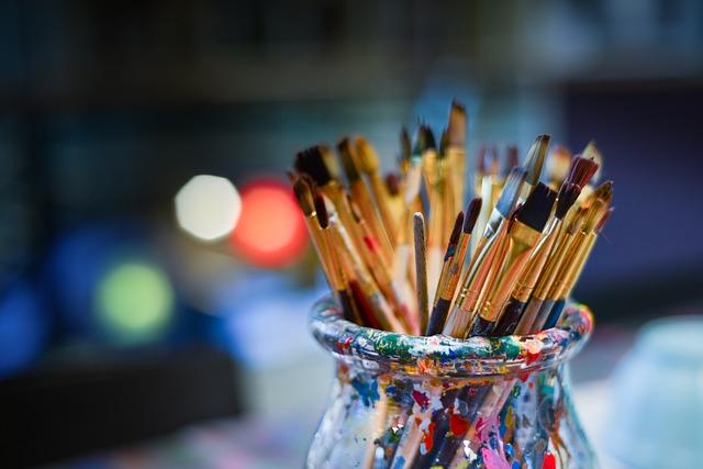 brushes-3129361_640.jpg