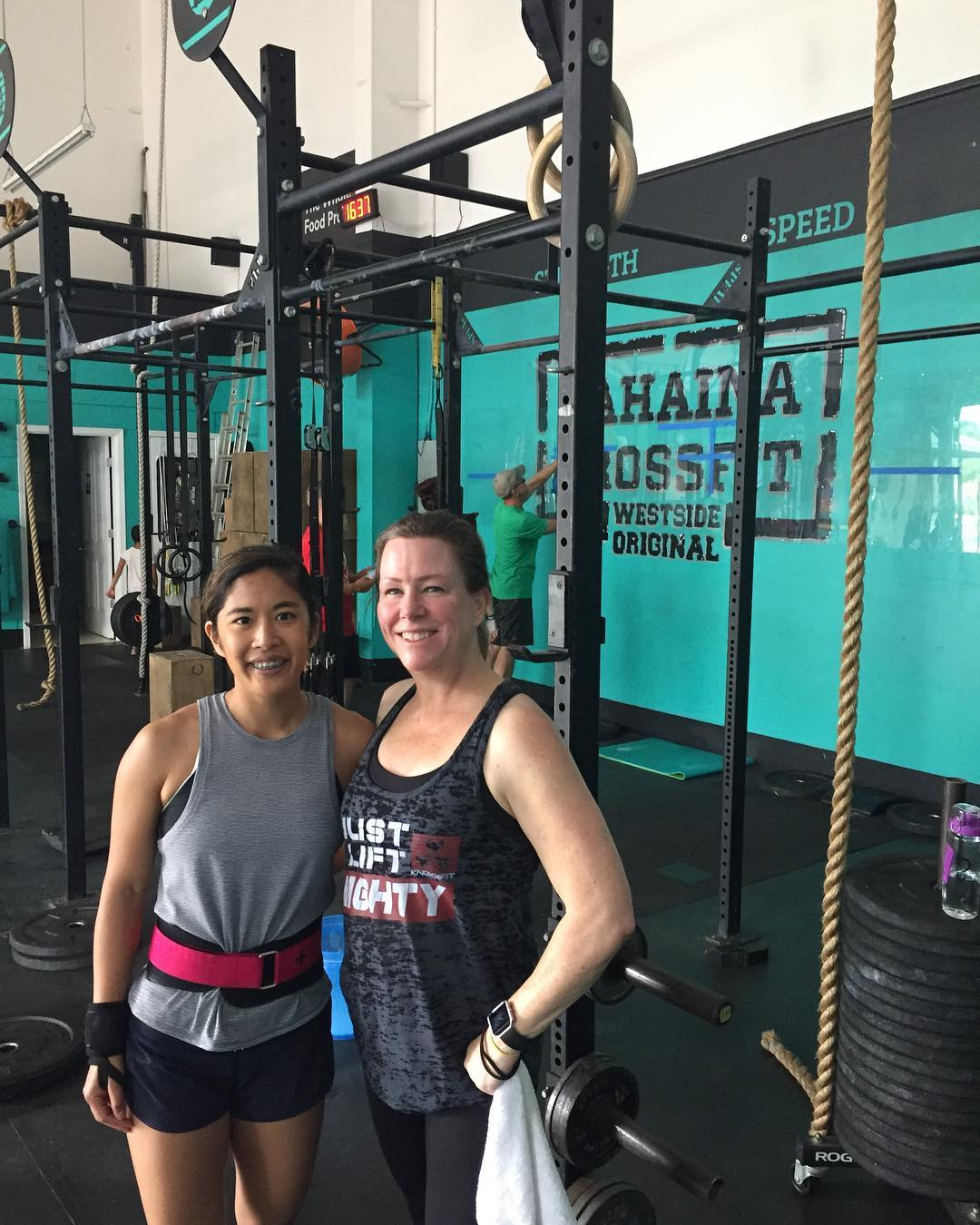 Denean and Leslie got 18.4 down while on vacation!