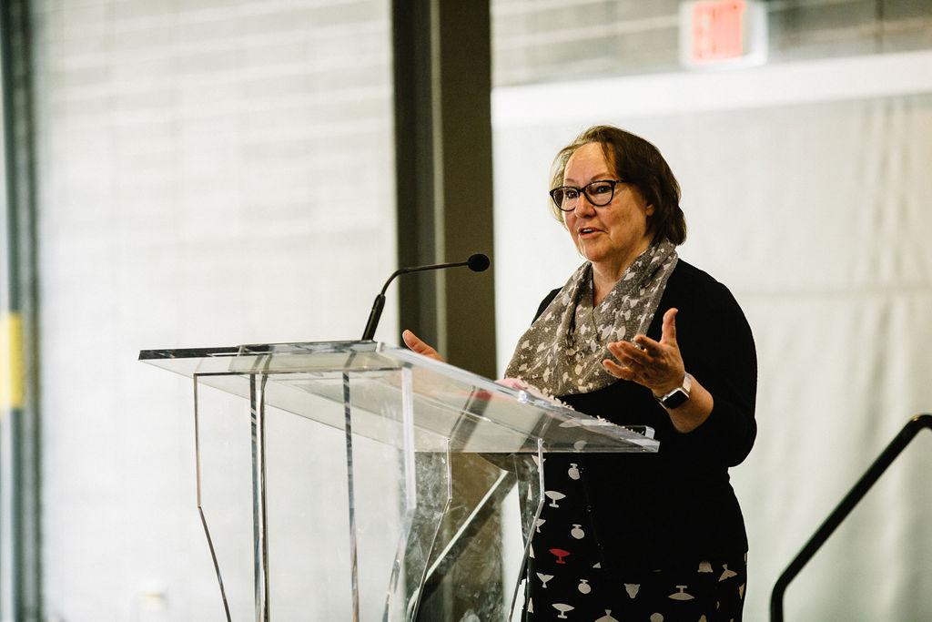 La militante écologiste mise en nomination pour le prix Nobel Sheila Watt-Cloutier donne une conférence passionnante sur l'interdépendance des gens et de la planète.
