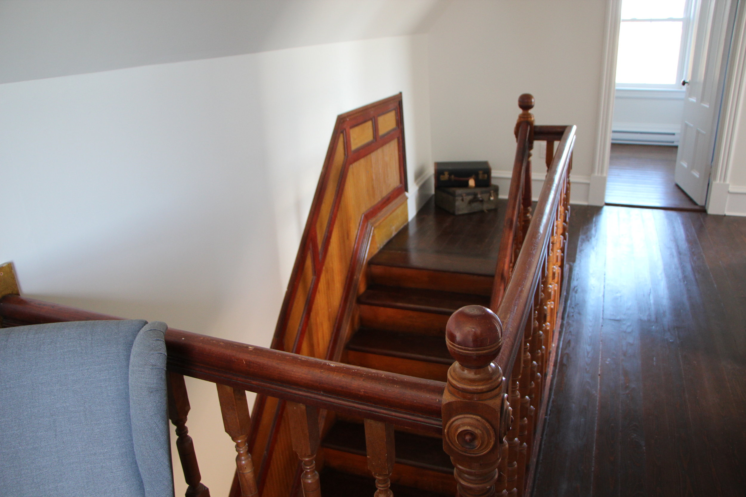 Don't you just love those original stairs