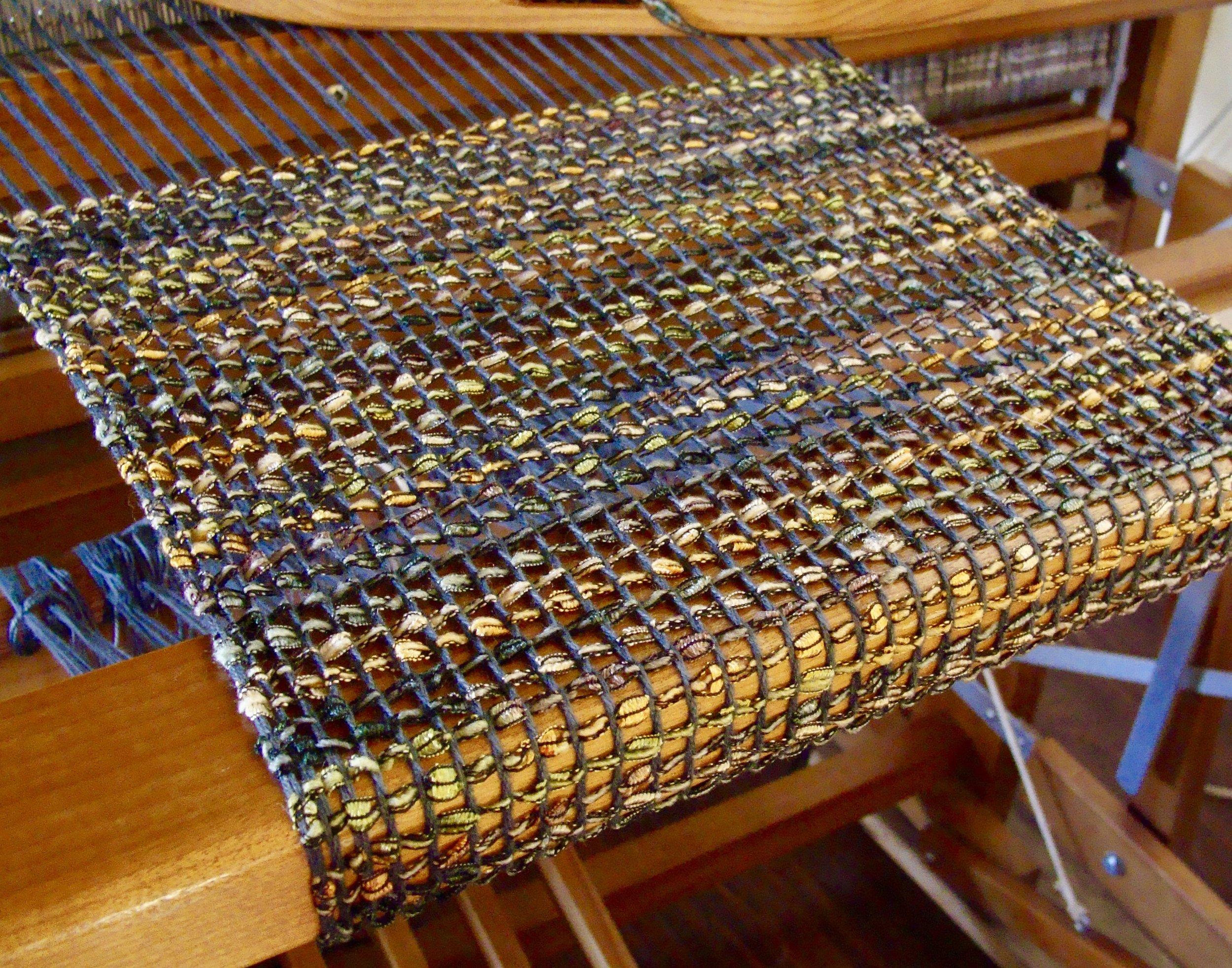 bead leno on weaving loom