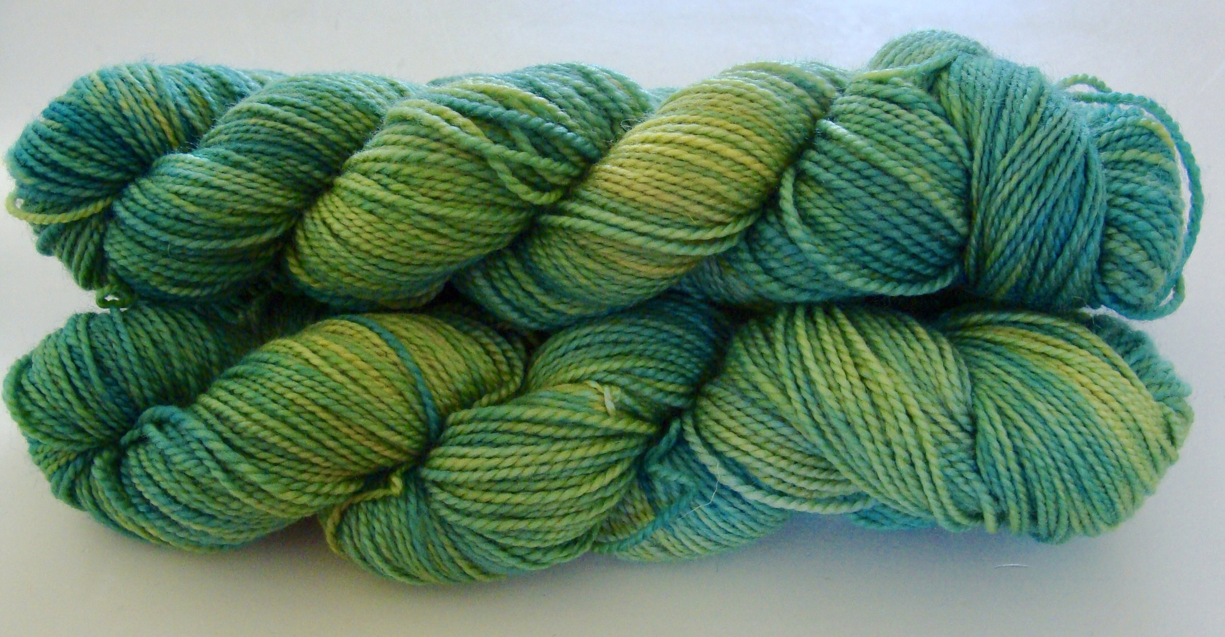hand-dyed-natural-marigold-saxon blue-wool-yarn