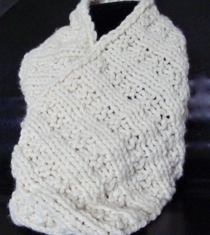 waffle stitch knitted cowl