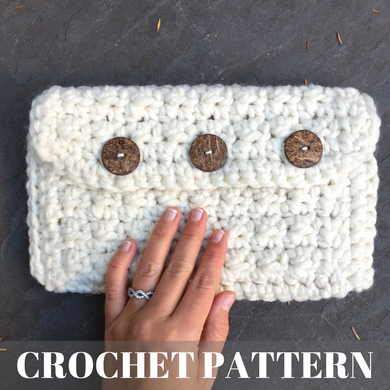 Super Cozy Clutch - Crochet Pattern COVER IMAGE.jpg