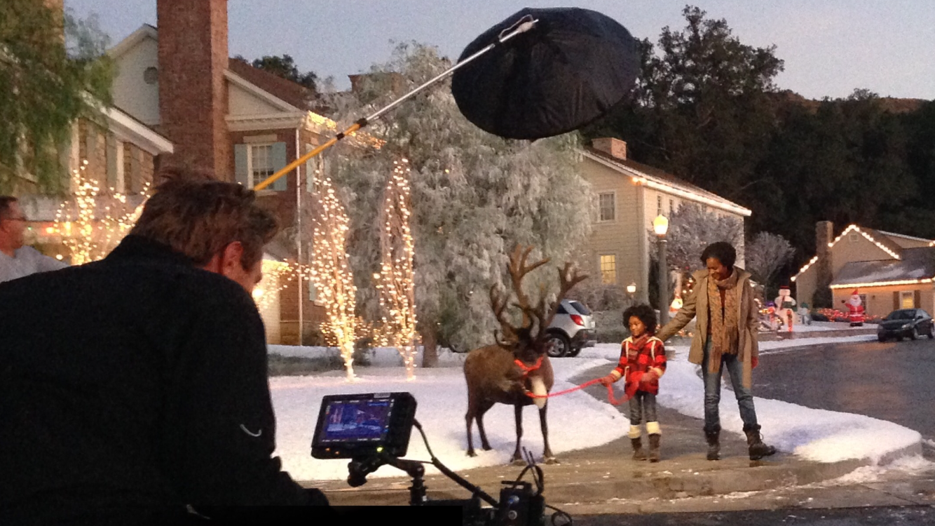- Regardless of budget every DP on every job has to be inventive. Lights are jerry-rigged for a particular situation, and then discarded or dismantled immediately. We are used to that. But not the Redback. The Asterisk, as it was initially named, was invented for one commercial. It was a Hallmark Christmas Campaign in 2015. A gorgeous picture perfect family walking their dog / reindeer, through a beautiful snow lined street at night with the houses twinkling with their Christmas lights in the background. Beautiful, dreamy….fucking impossible to light!! How to walk for 300 ft with a family and a dark furred reindeer, lighting them without them looking like ghouls, without blowing out the background of all the snow covered houses, and not showing any lights in shot. China ball? Nope. Too much snow. Traditional lights, nope, they need to be able to walk. It was a puzzle.