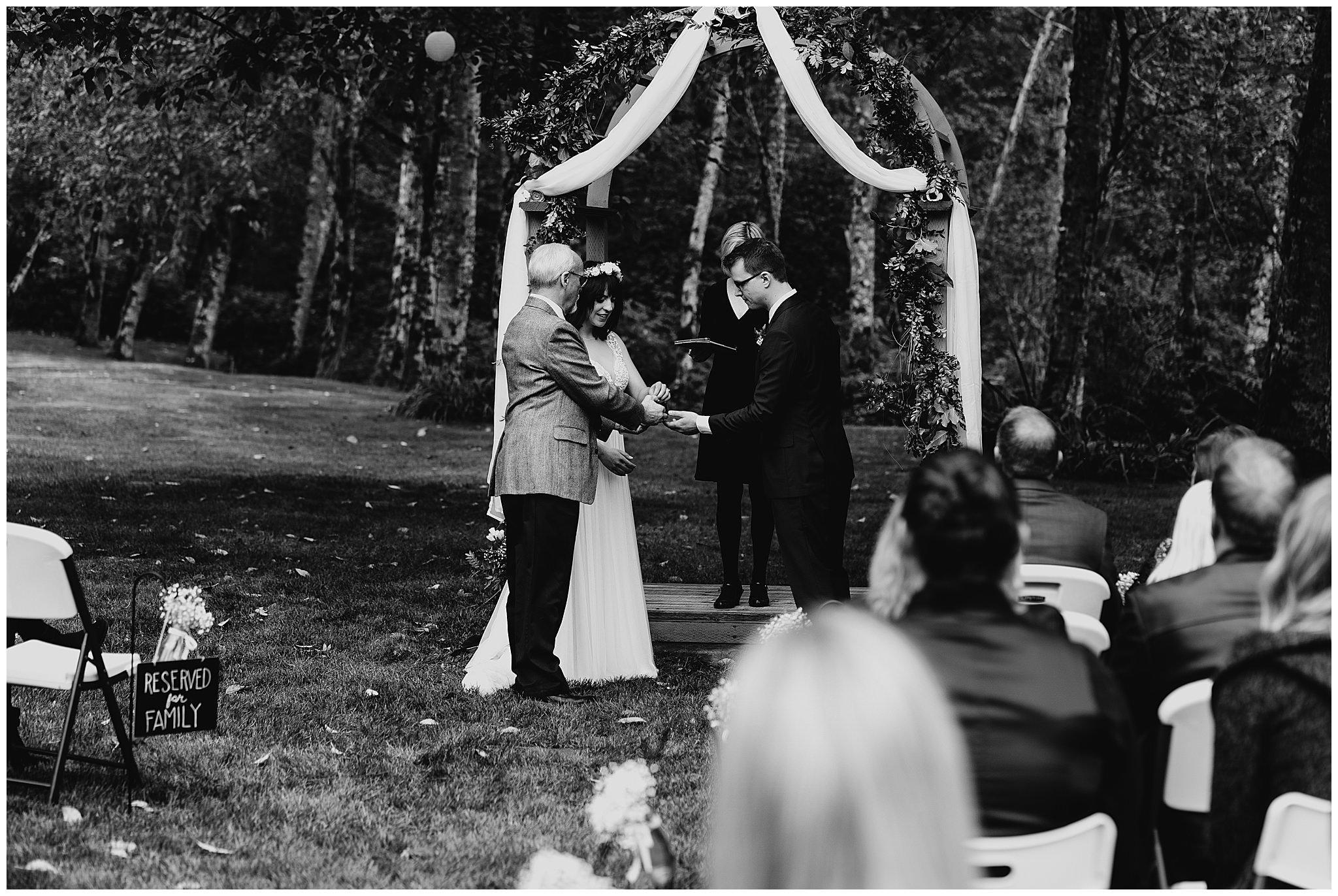 wallace-falls-lodge-wedding-evan-kelsey68.jpg