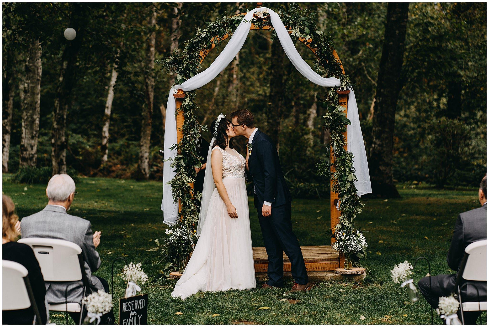 wallace-falls-lodge-wedding-evan-kelsey73.jpg