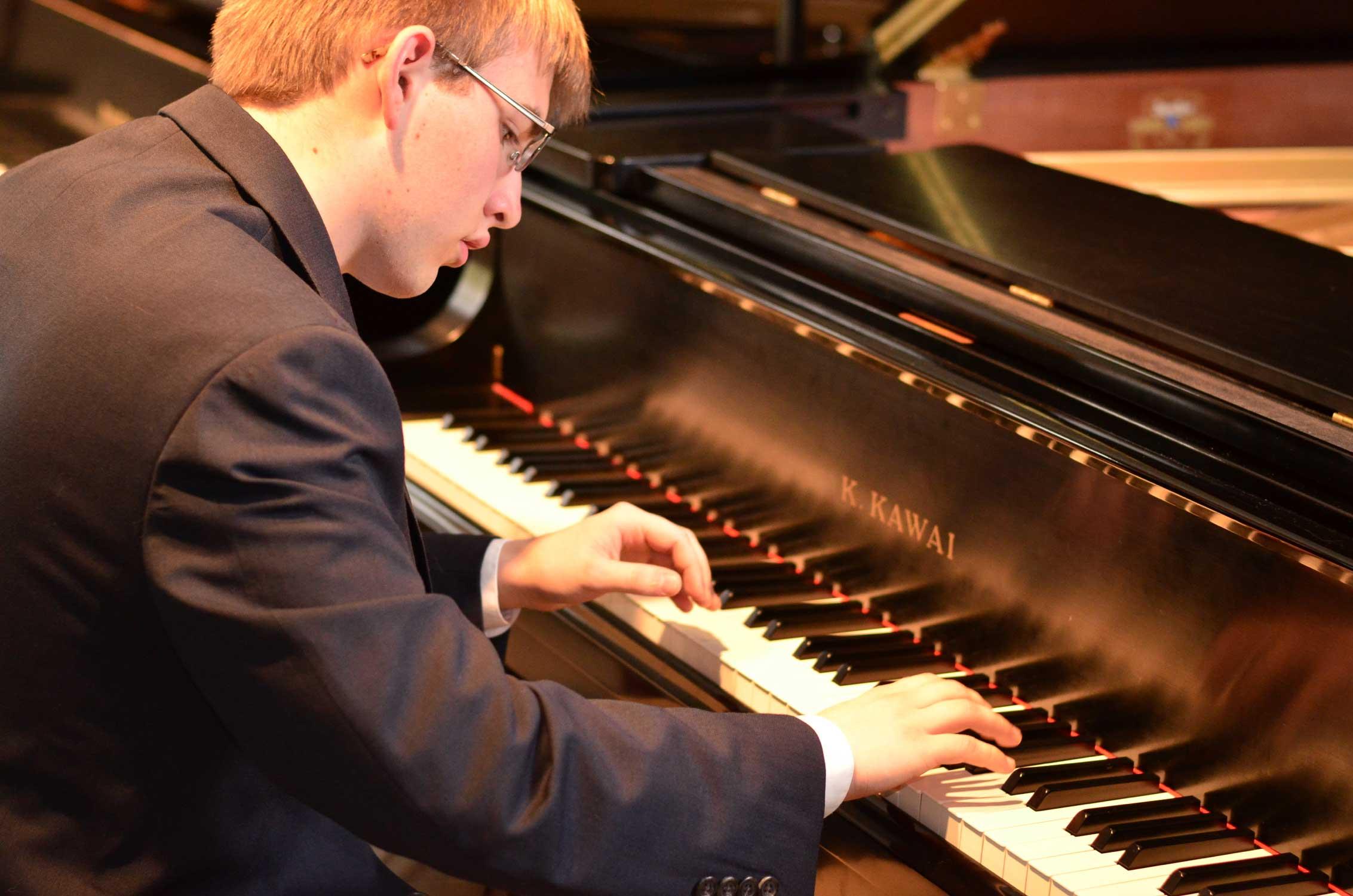 Aidan-Senior-Picture.jpg