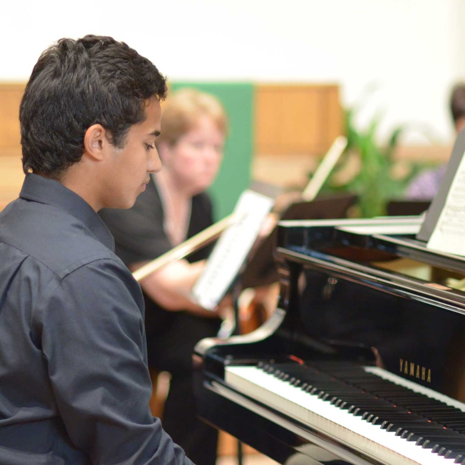 Alec-at-the-Concerto-Event-2012.jpg