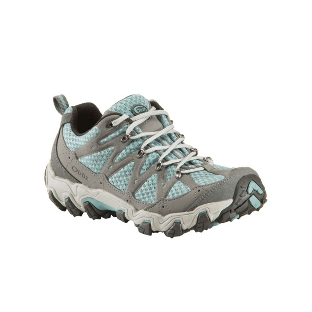 Get an extra mile (or three) on the trail with the Luna hiking shoe. Its lugs and high traction rubber propel you up the trail while the TPU shank and EVA midsole reduce trail impact and foot fatigue. Highly abrasion resistant yet breathable mesh keeps things cool. Synthetic leather overlays shrug off brush and rocks while keeping your feet snugly centered over the supportive BFit Deluxe insole.