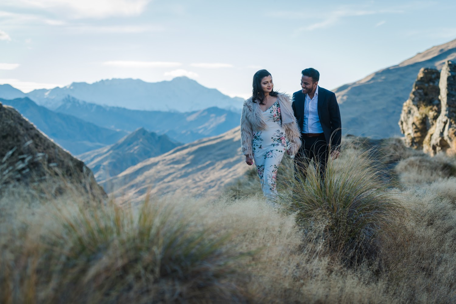 We ventured into the mountains to celebrate the engagement of Jarin & Tushar. The Skippers Canyon and Lake Wakatipu at Golden Hour provided enough drama for this stunning couple.