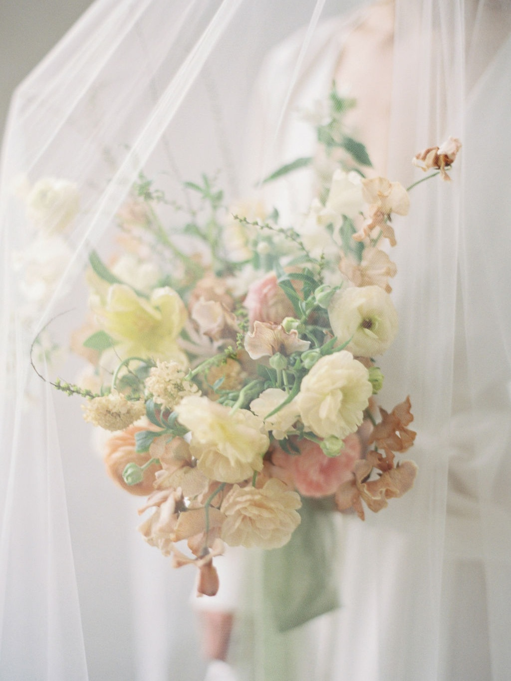 SPRING PASTELS - STYLED SHOOT