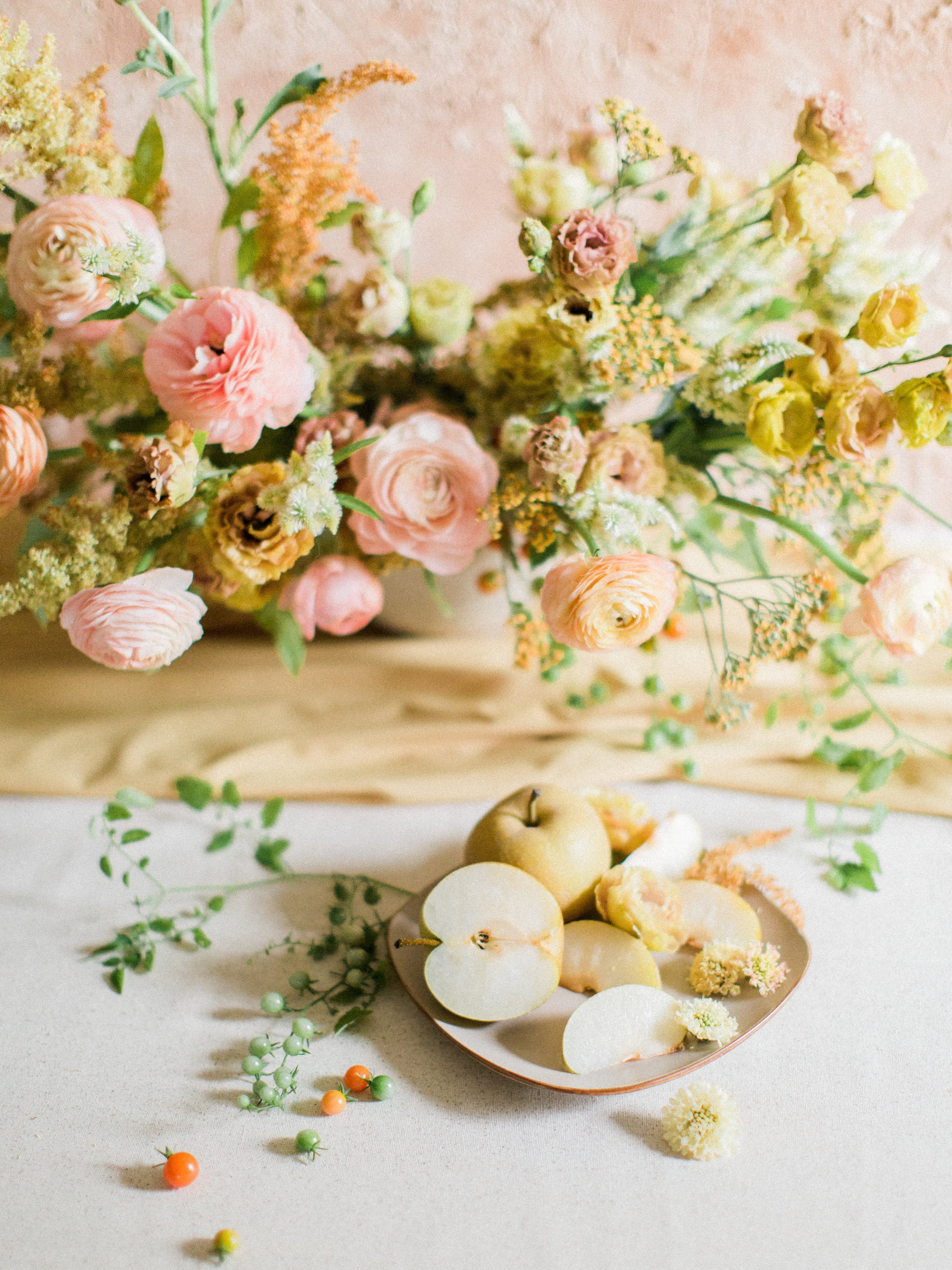 FALL FRUIT - STYLED TABLESCAPE
