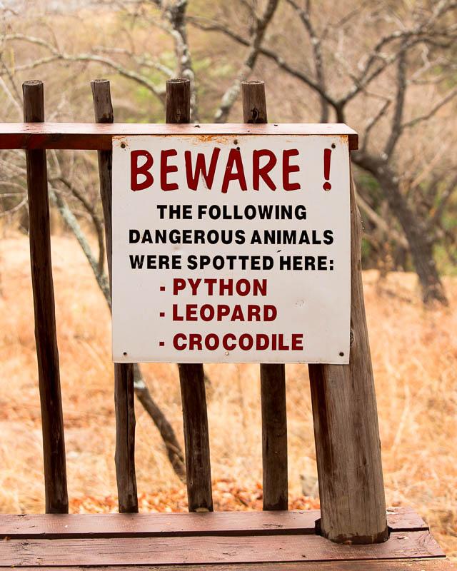 klipkloof-dangerous-animals-warning-sign.jpg