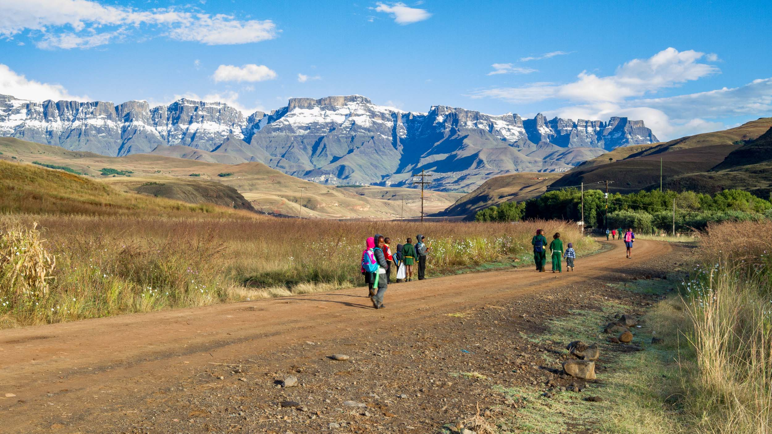 Children on their way to school – Mnweni