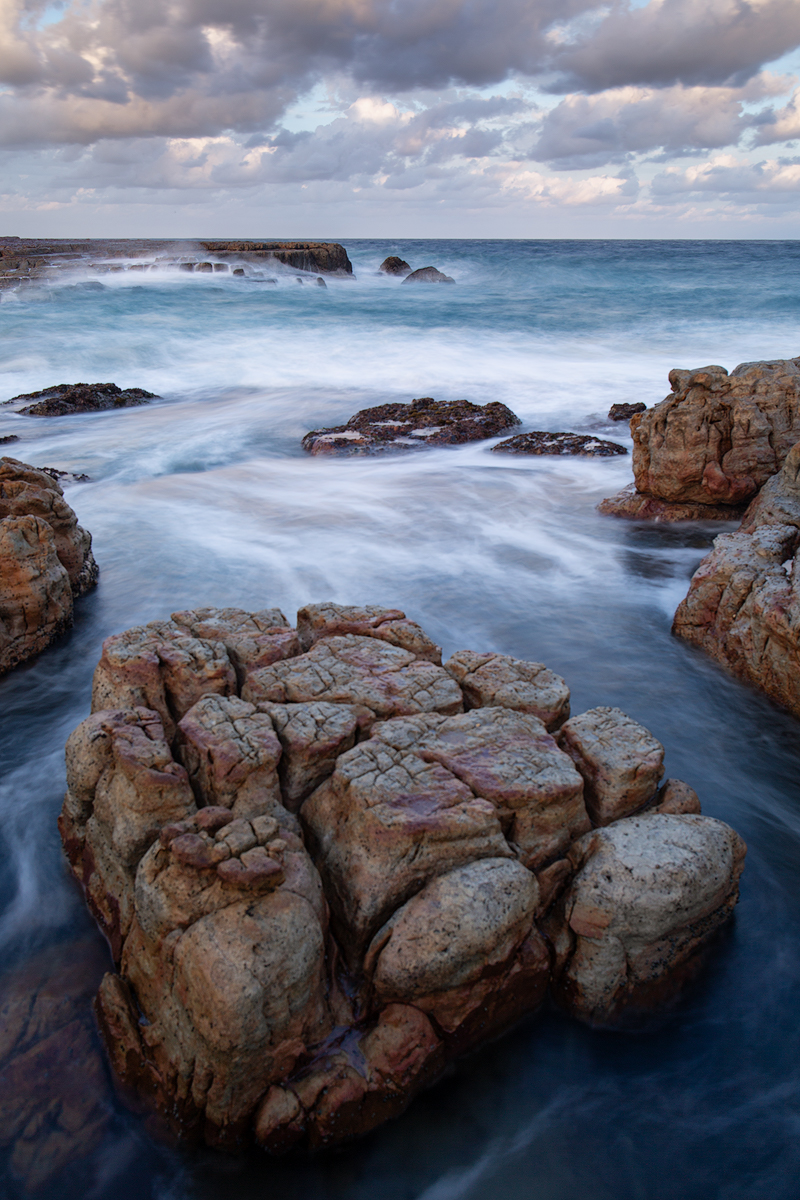Looking north off the rock shelf – Luphuthana