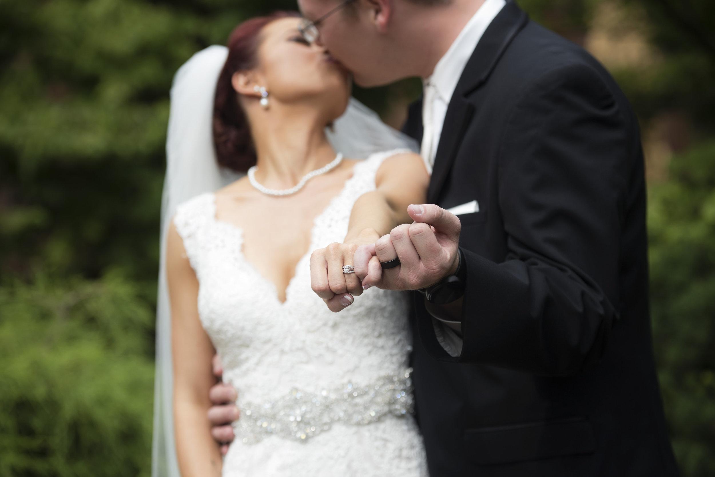 BRIDE&GROOMFORMALS002_1.jpg