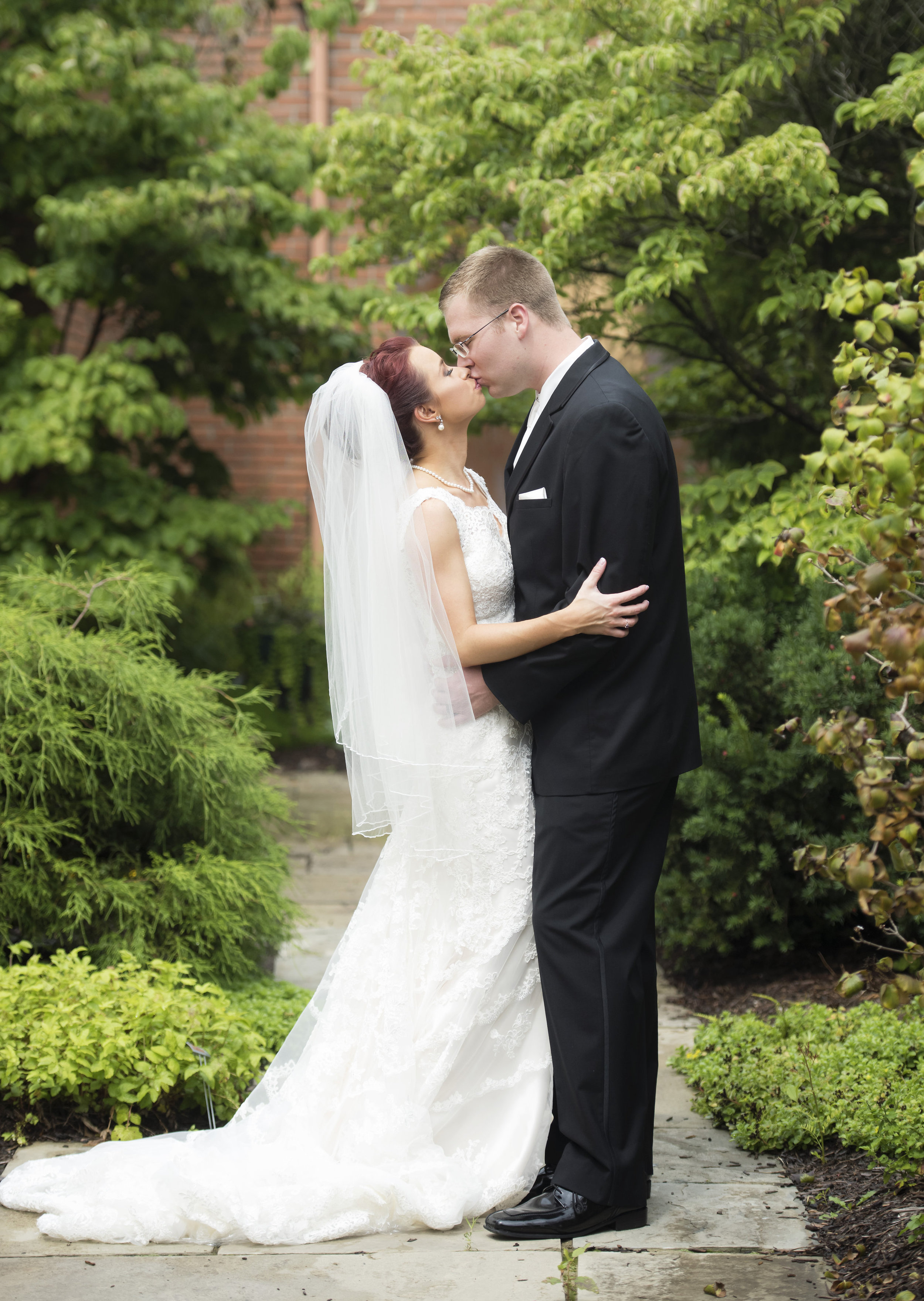 BRIDE&GROOMFORMALS009_1.jpg