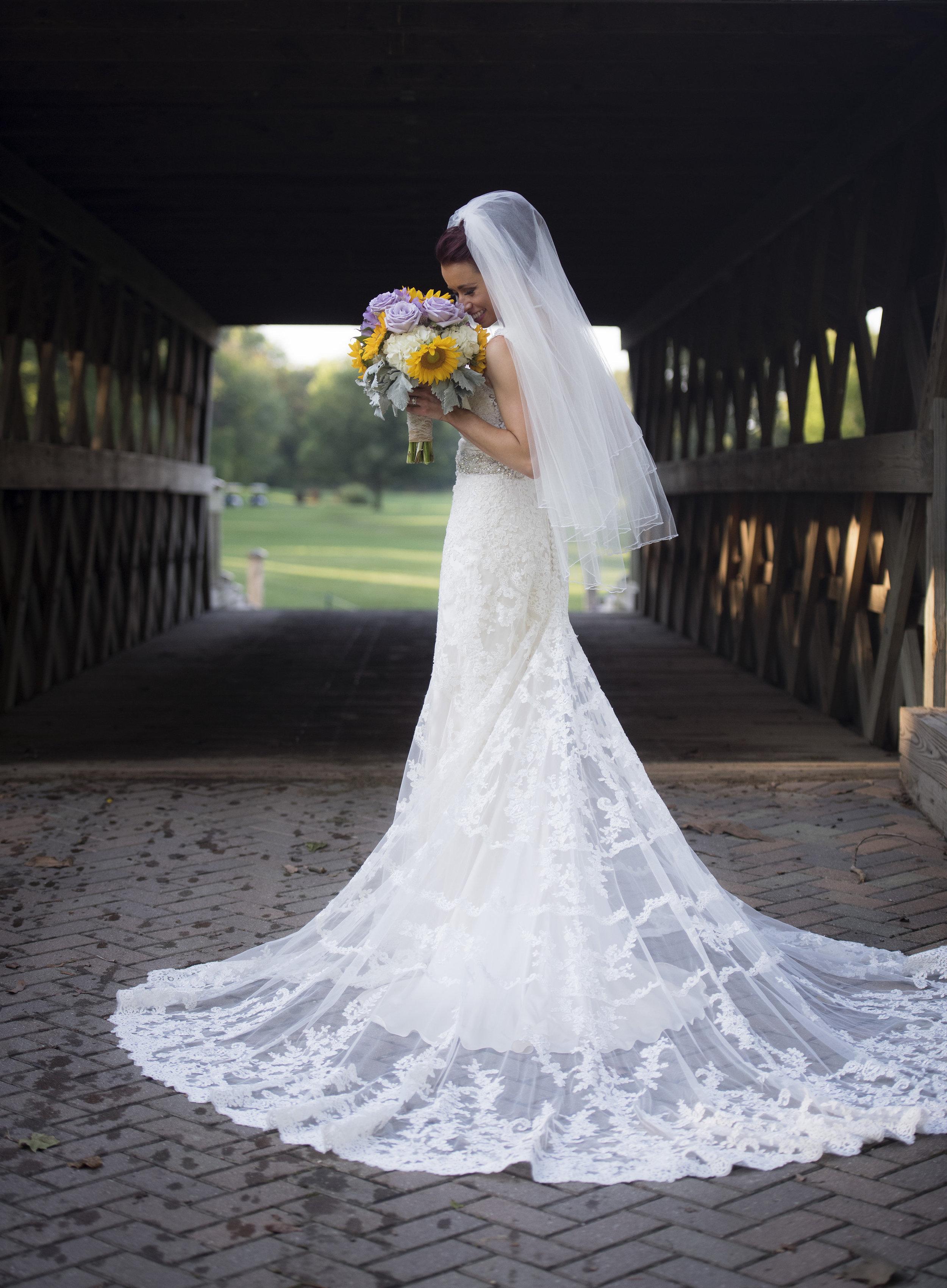 BRIDE&GROOMFORMALS084_1.jpg