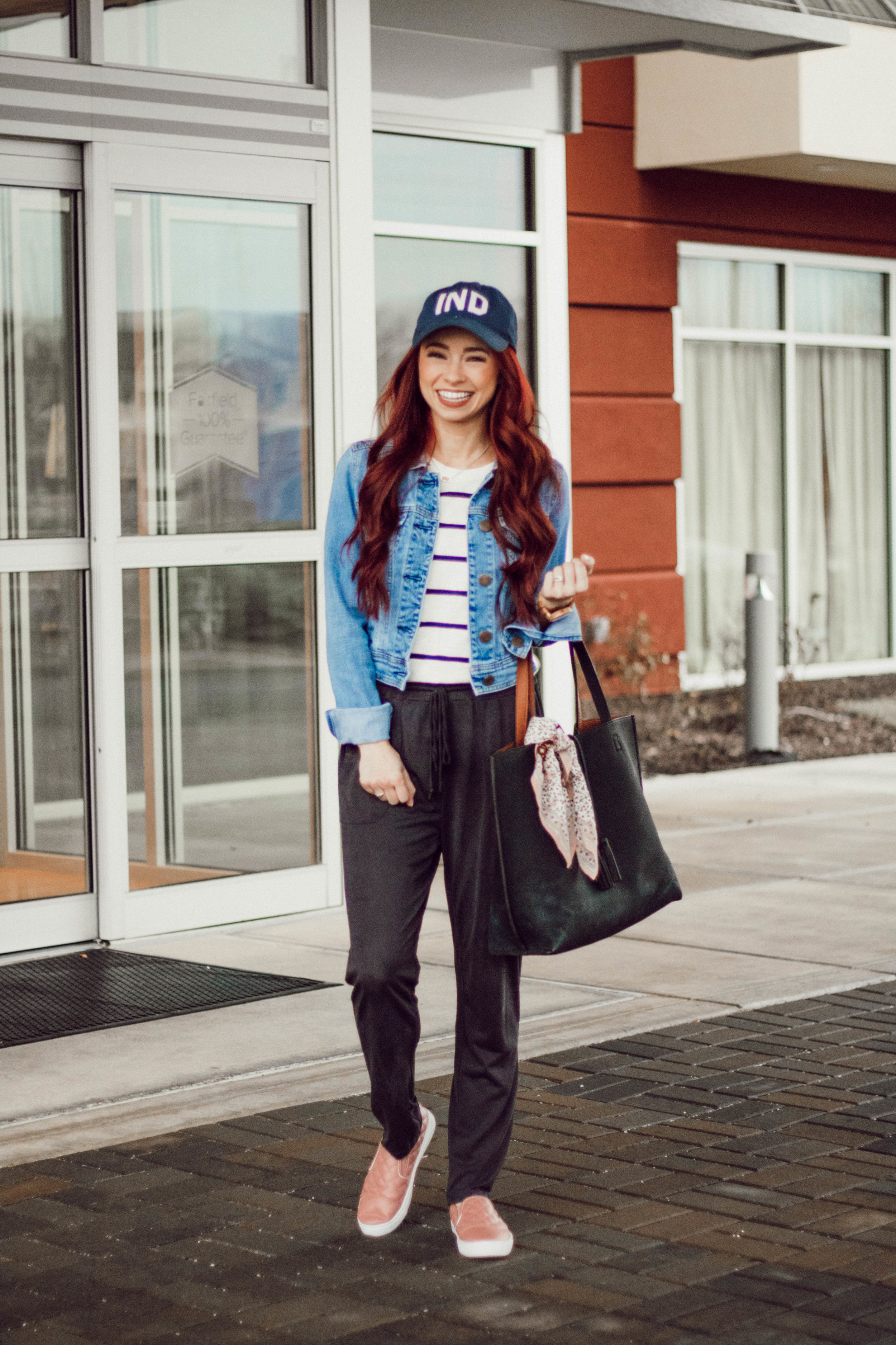 5 Airport Fashion Tips by popular Indianapolis style blogger Trendy in Indy
